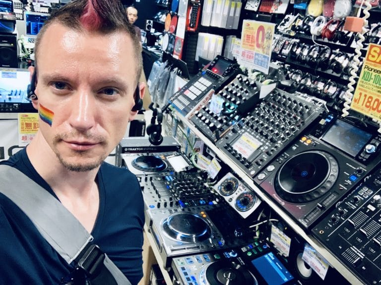 Jeremy Heiden DJ in Japan